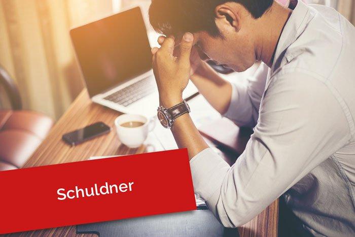 Bei einem Schuldner handelt es sich um eine Person, die durch ein Schuldverhältnis einer Leistungspflicht unterliegt